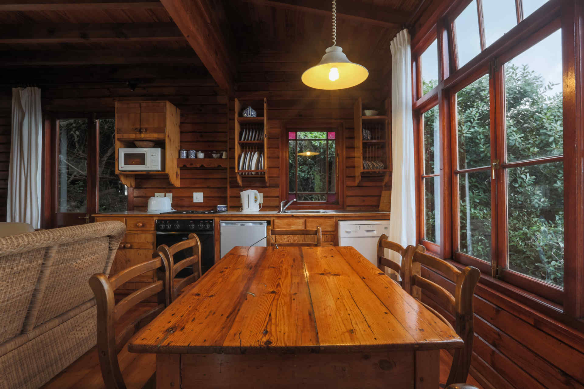 Self Catering Dining Room and Kitchen